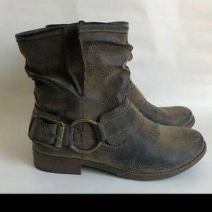 Crown Vintage  brown buckle ankle boots.